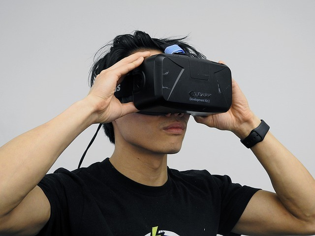 virtual-reality-1389030_640.jpg
